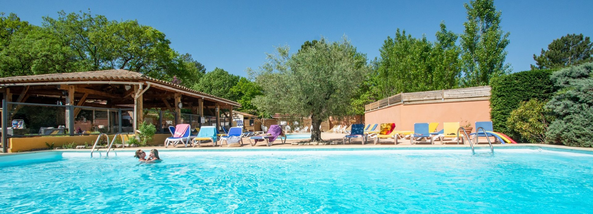 Camping Le Luberon : Dsc 8869accueil