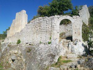 Camping Le Luberon : Fort De Buoux
