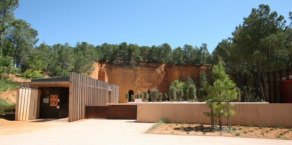 Camping Le Luberon : Mines of Bruoux