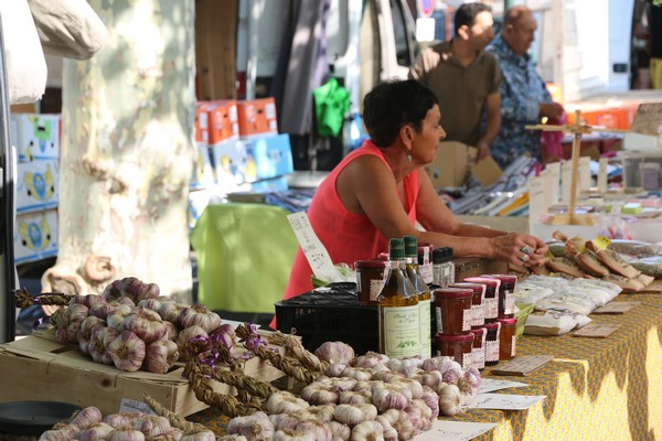 Camping Le Luberon : Marché Apt