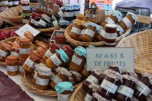 Camping Le Luberon : Marché Saignon
