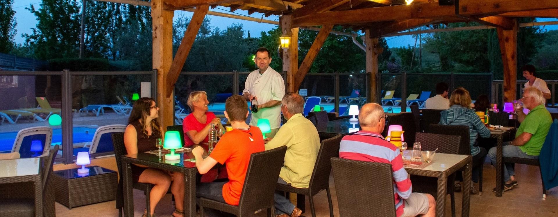 Camping Le Luberon : Resto4slider