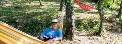 Hamacs sur les hauteurs du Camping Le Luberon